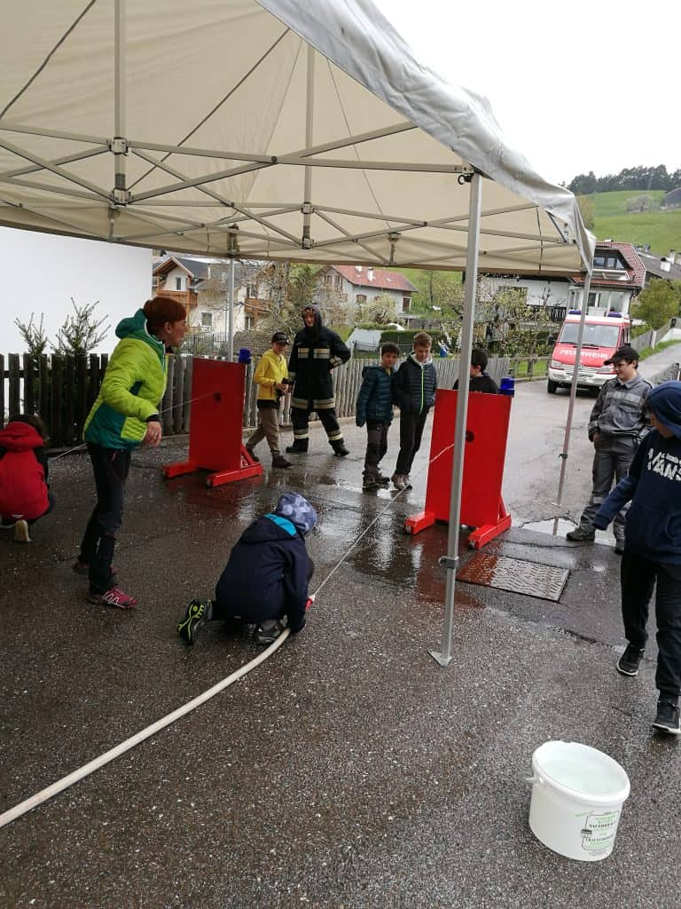 Spektakulärer Projekttag in der Grundschule Deutschnofen 8