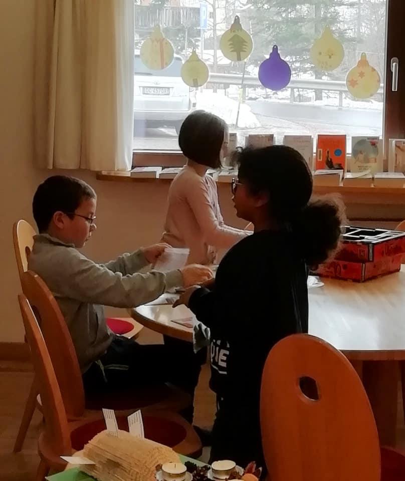 Gemeinsames Basteln und Spielen in der Weihnachtszeit 13